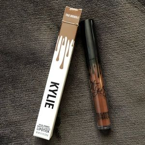 True Brown K Liquid Lipstick
